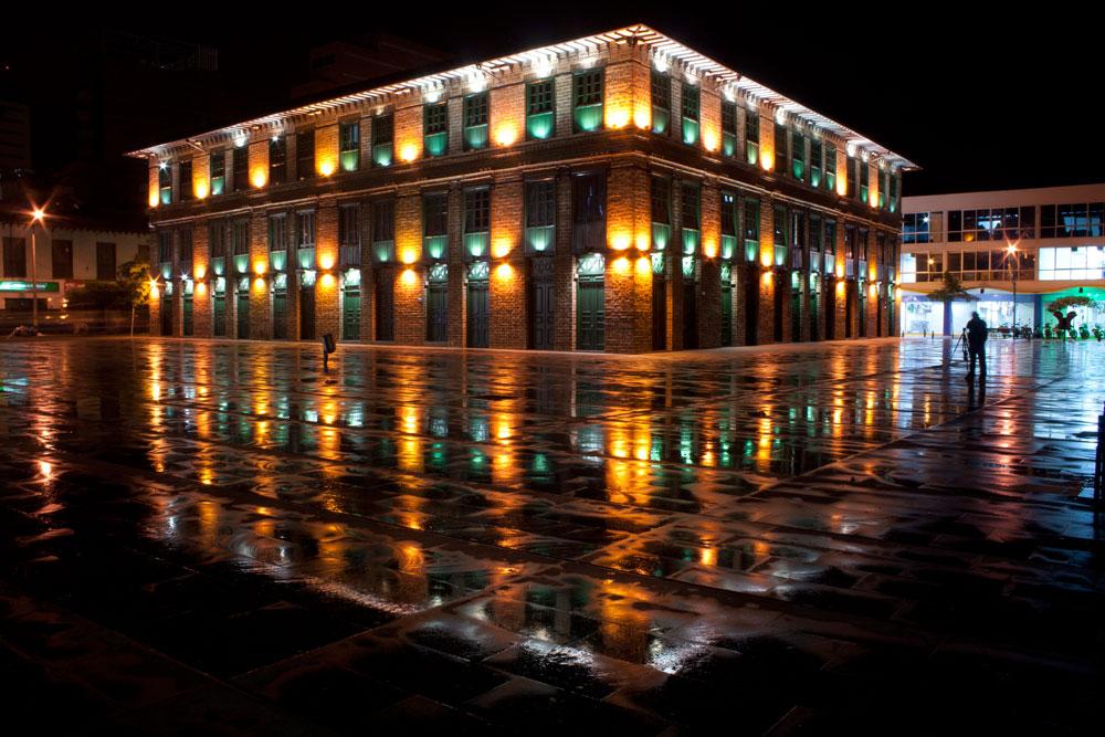 Edificio_Carré